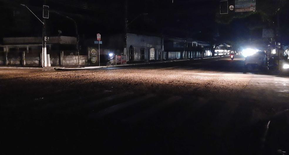 Apagão em Macapá deixa ruas no escuro nesta terça-feira (17) — Foto: John Pacheco/G1
