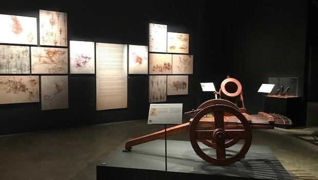 Exposição conta com réplicas das máquinas e desenhos feitos por Da Vinci (Foto: Época Negócios)