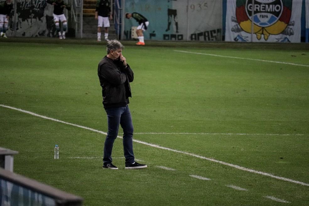 Renato Portaluppi reconheceu problemas da equipe na partida — Foto: Lucas Bubols/ge.globo