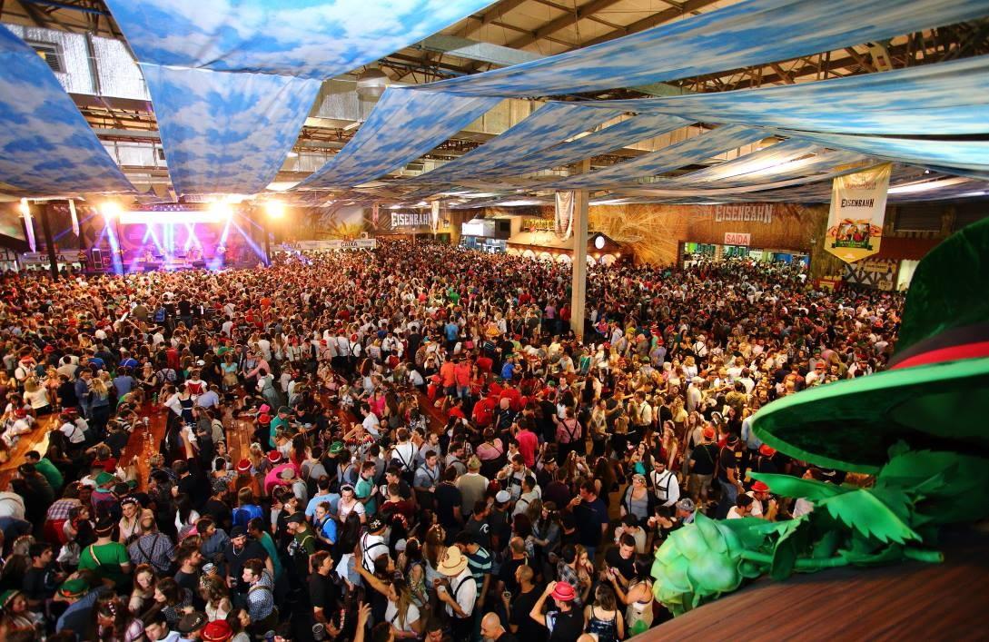 Sine tem quase 2,1 mil vagas de emprego em SC; Oktoberfest é oportunidade para Blumenau - Notícias - Plantão Diário