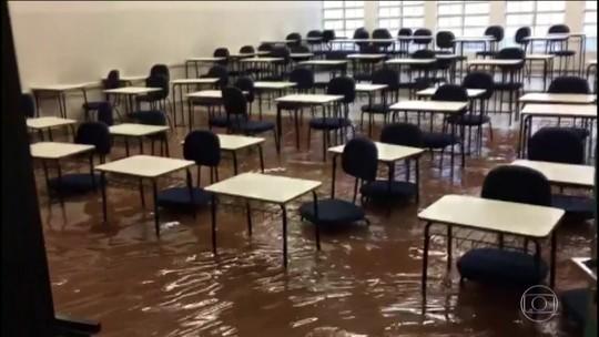 Temporal faz grandes estragos em Franca (SP)