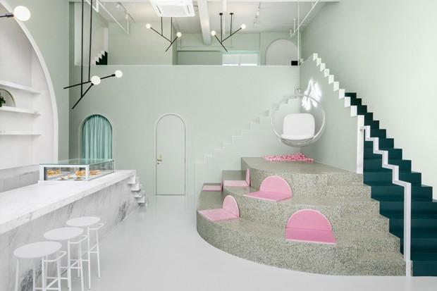 Café na China tem interiores inspirados em Wes Anderson (Foto: James Morgan/Divulgação)