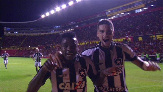 Marcos Vinícius mostra lado artilheiro no Botafogo e se aproxima de regularidade