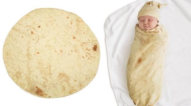 """""""Burrito baby"""" é um coberto que transforma o bebê no prato mexicano (Foto: Divulgação)"""