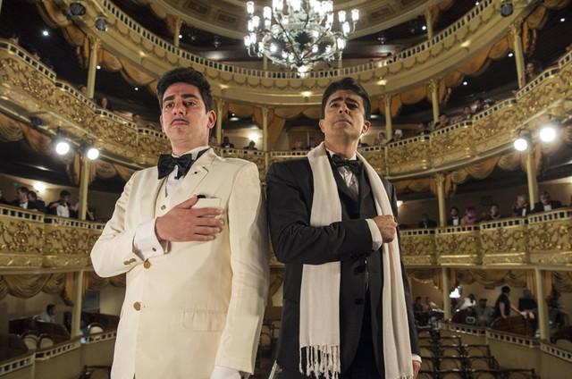 Marcelo Adnet e Marcius Melhem gravam cenas da última temporada do 'Tá no ar: a TV na TV' (Foto: TV Globo/ Estevam Avellar)