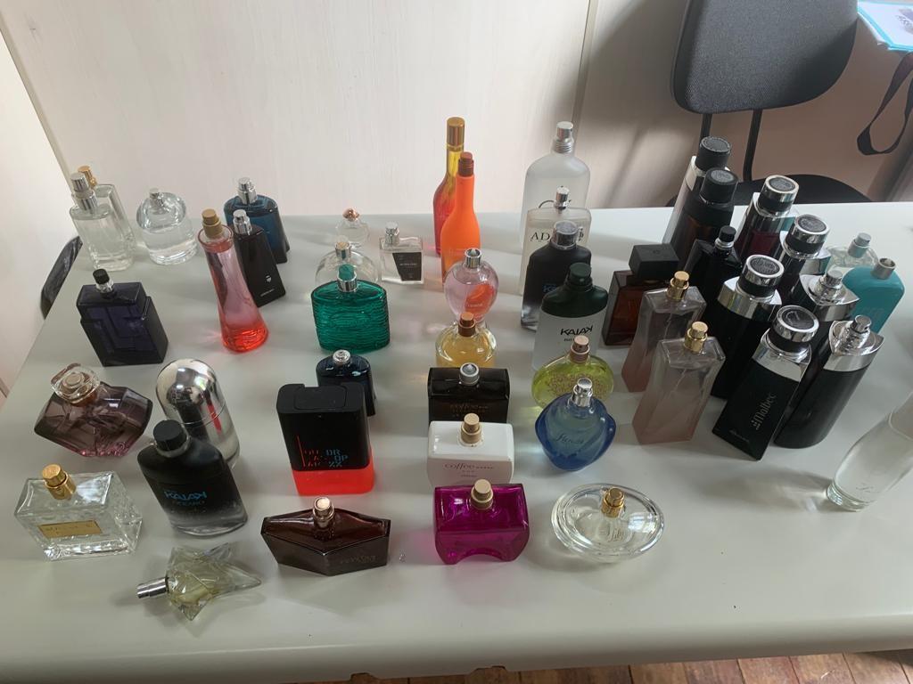 Guarda de Amparo detém trio suspeito de vender perfumes falsificados