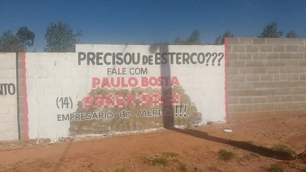 Propaganda também está estampada em um muro no Mary Dota  (Foto: Paulo Silvestre / Arquivo pessoal )