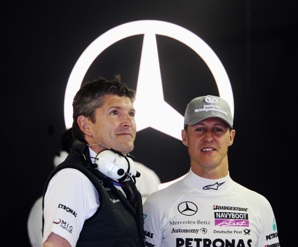 Nick Fry e Michael Schumacher em 2012 — Foto: Getty Images