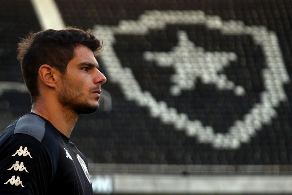 Douglas Borges é destaque positivo entre as contratações do Botafogo — Foto: Vitor Silva/Botafogo