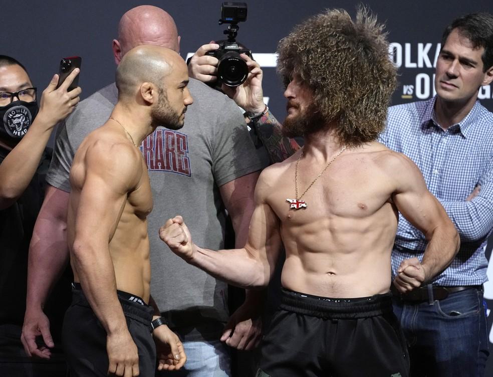 Marlon Moraes e Merab Dvalishvili farão um duelo de estilos no UFC 266 — Foto: Getty Images