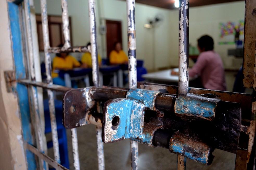 Carceragem feminina (Foto: Aline Lopes/G1)