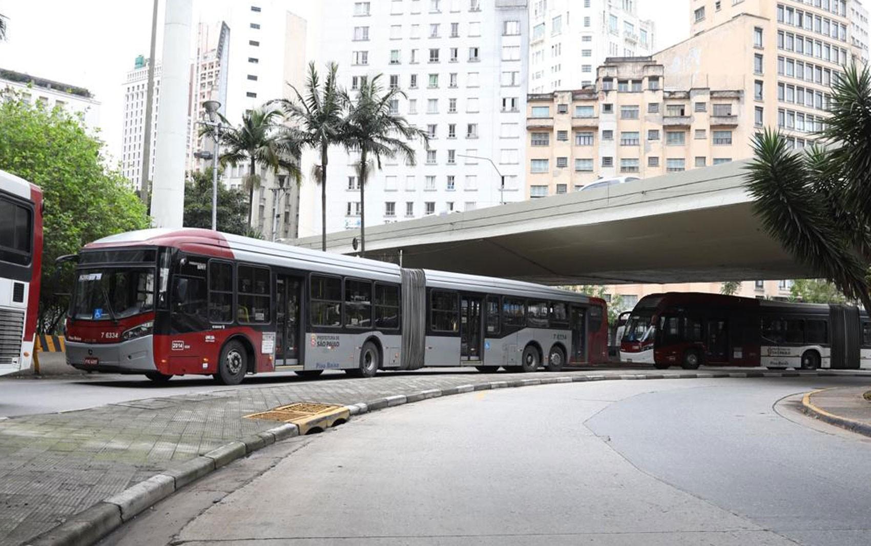 Ministério Público entra com ação contra Prefeitura de SP e pede que Justiça impeça fim da gratuidade para idosos em ônibus