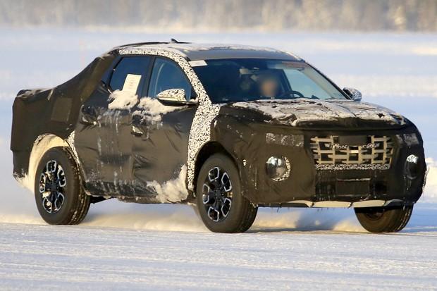 Hyundai Santa Cruz foi flagrada em versão de produção (Foto: AutoMedia/Autoesporte)