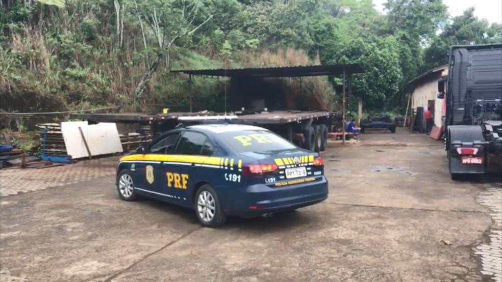 Oficina alvo da operação em Viana, no Espírito Santo — Foto: André Falcão/ TV Gazeta
