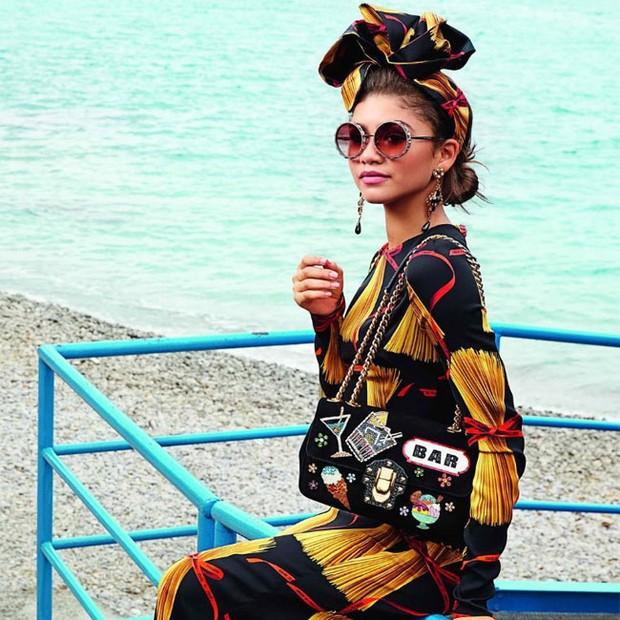 A atriz em campanha da Dolce & Gabbana (Foto: Divulgação)