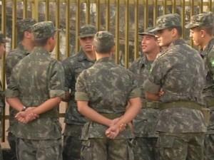 Decisão da Justiça proíbe Exército de exigir idade mínima para soldados (Foto:  Reprodução/ TV TEM)