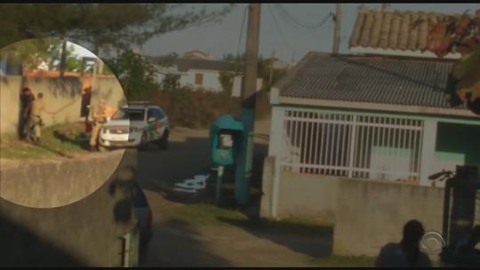Vídeo flagra PM agredindo adolescente com pedaço de pau no Sul de SC