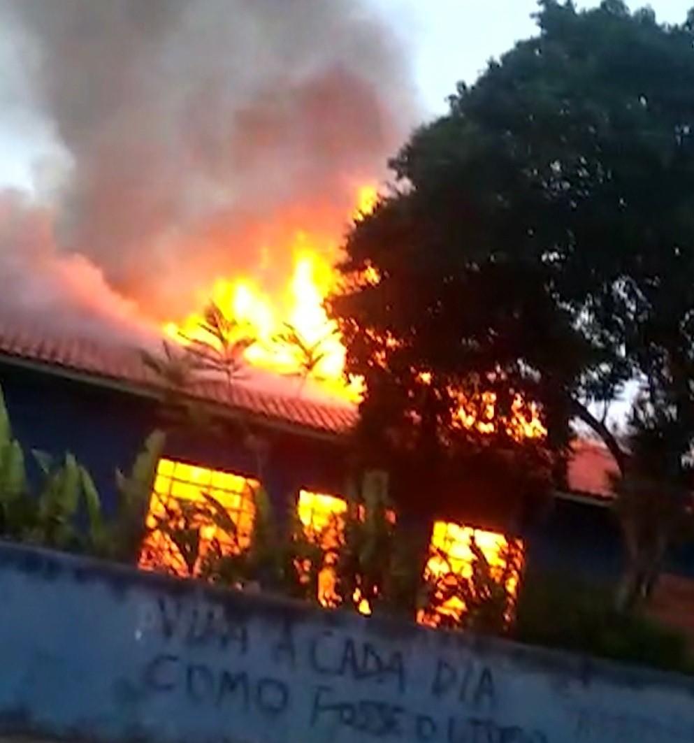 Incêndio em escola pública de Atibaia foi criminoso, diz polícia - Notícias - Plantão Diário