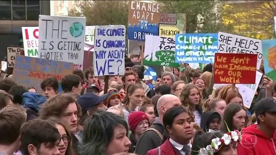 Estudantes de mais de cem cidades protestam a favor do clima