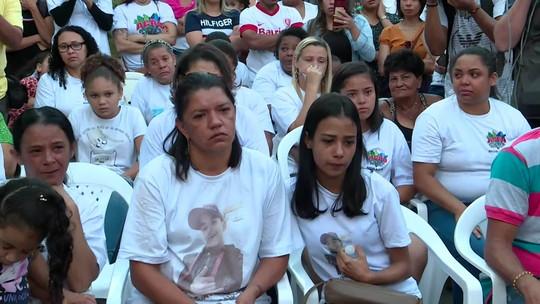 Ato ecumênico homenageia jovens mortos em comunidade de SP