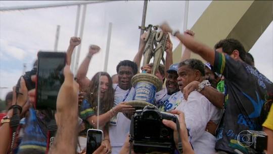 Beija-Flor garante a vitória no último quesito: samba-enredo
