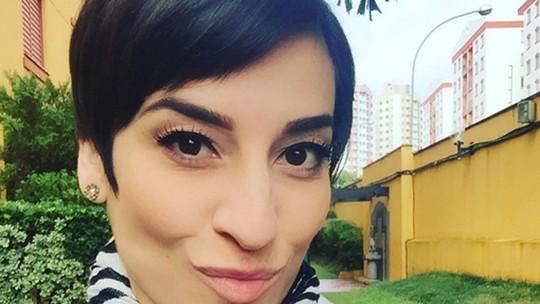 Simone Gutierrez comenta mudança de visual desde 'Cheias de Charme': 'Me sentindo melhor'