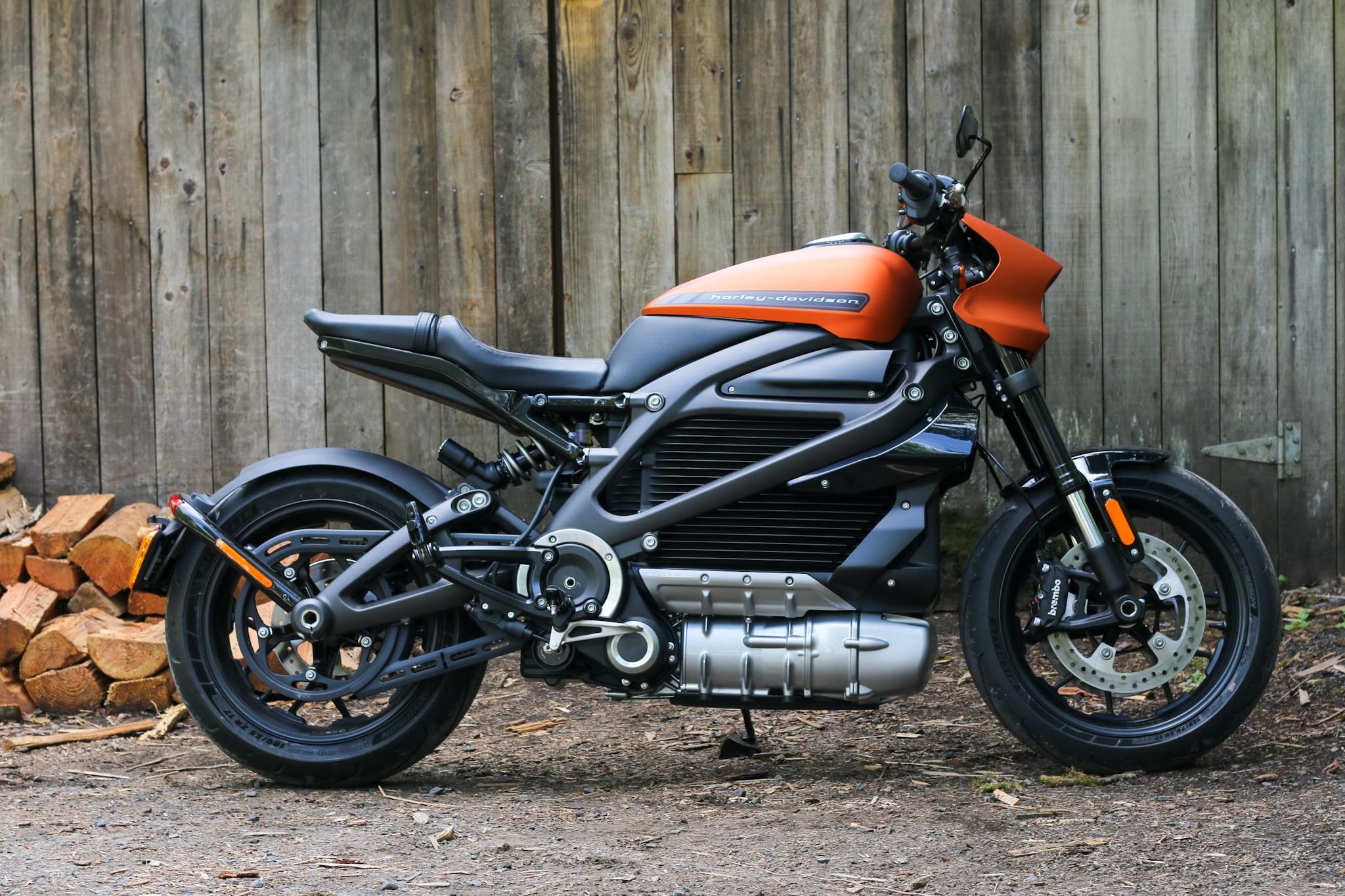 Harley-Davidson paralisa produção de sua primeira moto elétrica