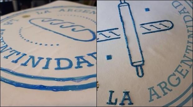 Fernanda criou duas opções de marca. Everton escolheu a da direita para sua padaria (Foto: Fernanda Stecanela/Arquivo pessoal)
