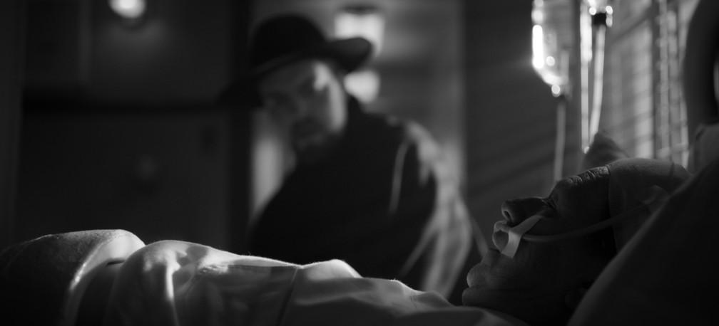 Tom Burke e Gary Oldman em cena de 'Mank' — Foto: Divulgação/Netflix