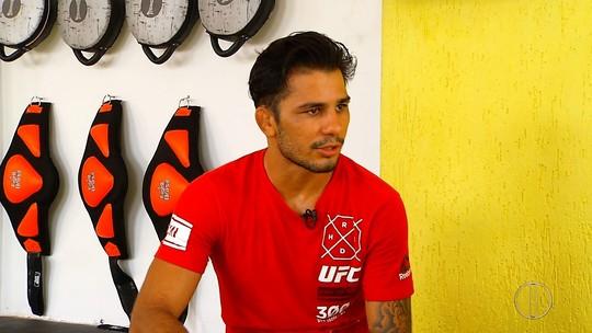 """Pantoja treina com repórter e fala sobre luta com Dustin Ortiz: """"Vou para cima"""""""