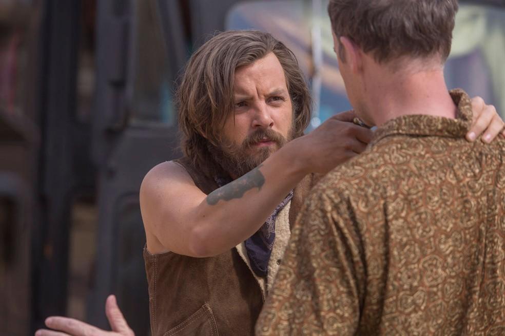 Gethin Anthony interpreta Charles Manson na série 'Aquarius' (Foto: Divulgação)