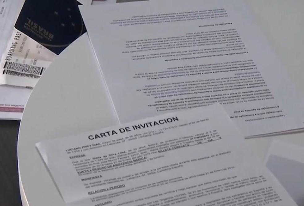 Stella recebeu uma carta convite feita pelo cunhado, que é espanhol — Foto: Reprodução/TV Santa Cruz