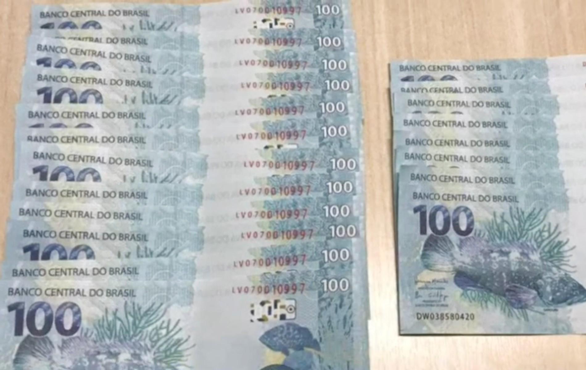 Homem compra R$ 2 mil em notas falsas pela internet e é preso no momento da entrega, em Londrina