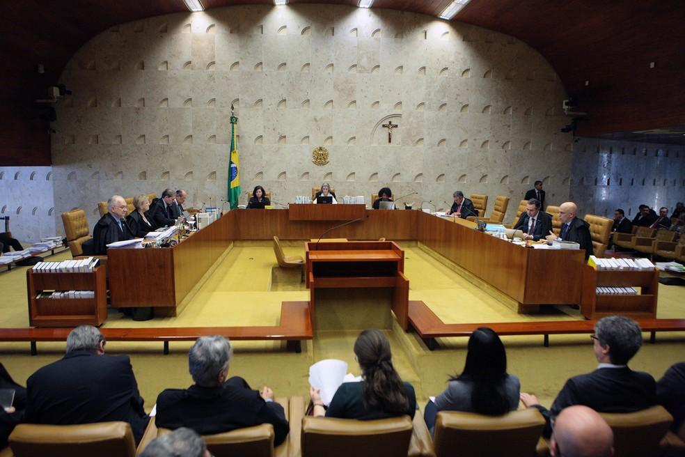Plenário do Supremo Tribunal Federal durante julgamento sobre obrigatoriedade da contribuição sindical (Foto: Carlos Moura/STF)
