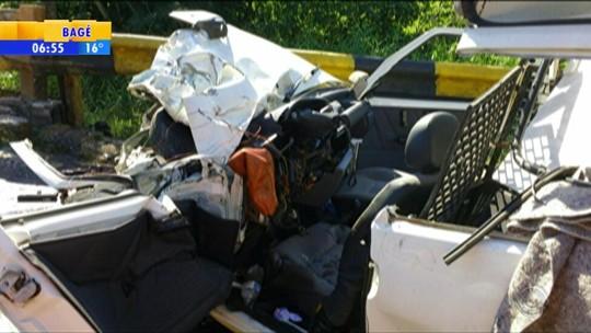 Acidente entre carro e ônibus de time de futebol feminino deixa feridos em Candelária