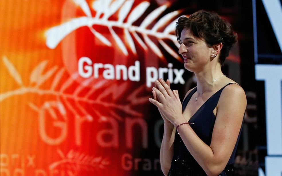 A diretora italiana Alice Rohrwacher, vencedora do Grande Prêmio em Cannes pelo filme 'As maravilhas' (Foto: Valery Hache/AFP)