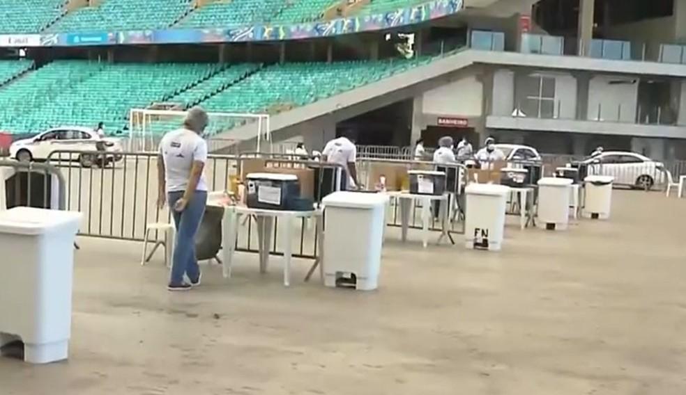Posto de saúde funciona na Arena Fonte Nova, em Salvador — Foto: Reprodução / TV Bahia