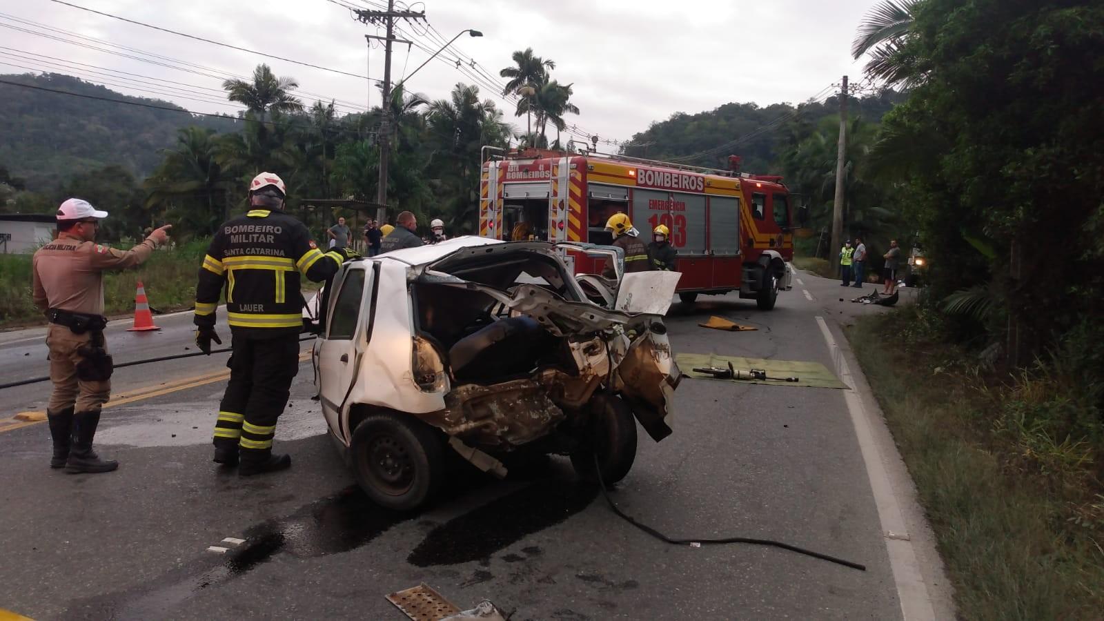 Motorista de carro morre em acidente na Serra da Vila Itoupava em Blumenau