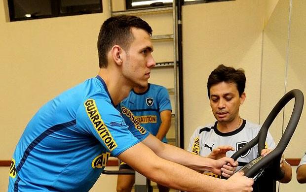 Alex botafogo musculação (Foto: Satiro Sodré / BFR)