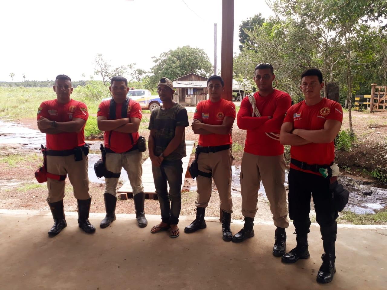 Bombeiros Civis resgatam jovem perdido por mais de 24h em reserva florestal, em Oriximiná