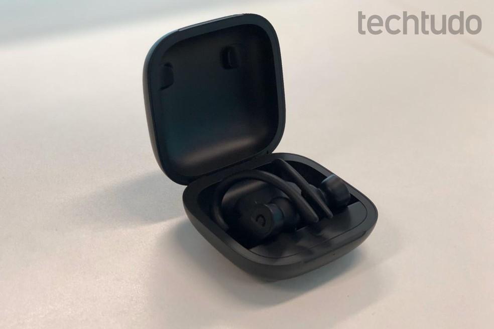 Custando R$ 2.191, Powerbeats Pro é uma boa opção premium — Foto: Rubens Achilles/TechTudo