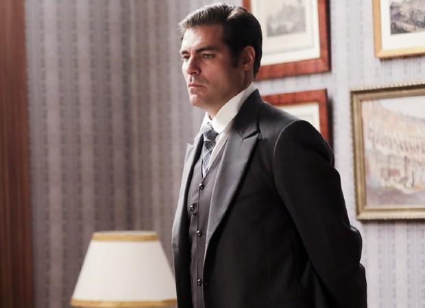 Mentira de Darcy (Thiago Lacerda) fará com que ele seja expulso da casa de Elizabeta (Nathalia Dill) (Foto: Divulgação/TV Globo)