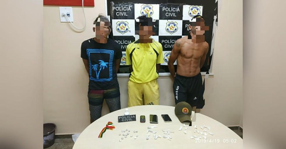 Trio preso em Alenquer por suspeita de tráfico e associação para o tráfico — Foto: Polícia Militar/Divulgação