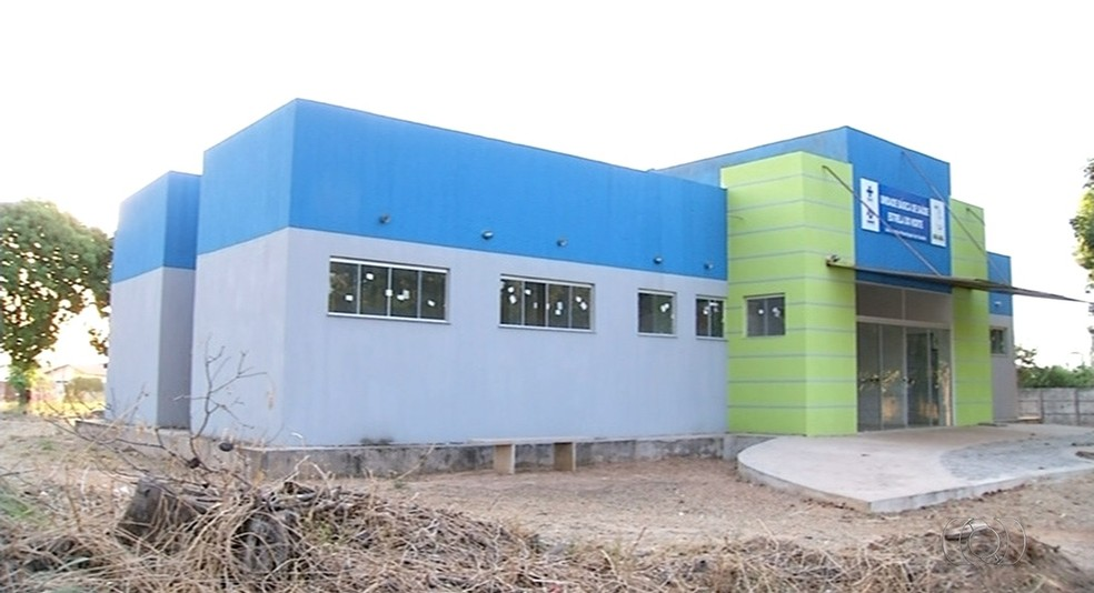 Unidades de saúde foram até inauguradas, mas nunca funcionaram (Foto: Reprodução/TV Anhanguera)