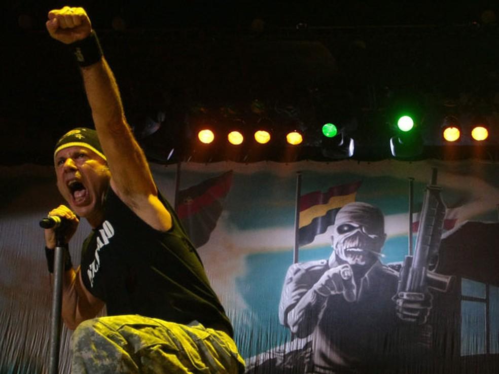 -  Iron Maiden tocou por mais de duas horas na noite desta segunda  28 , no Rio.  Foto: Pedro Kirilos / Ag. O Globo