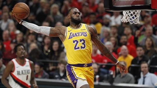 Veja os principais lances da estreia de LeBron James pelos Los Angeles Lakers