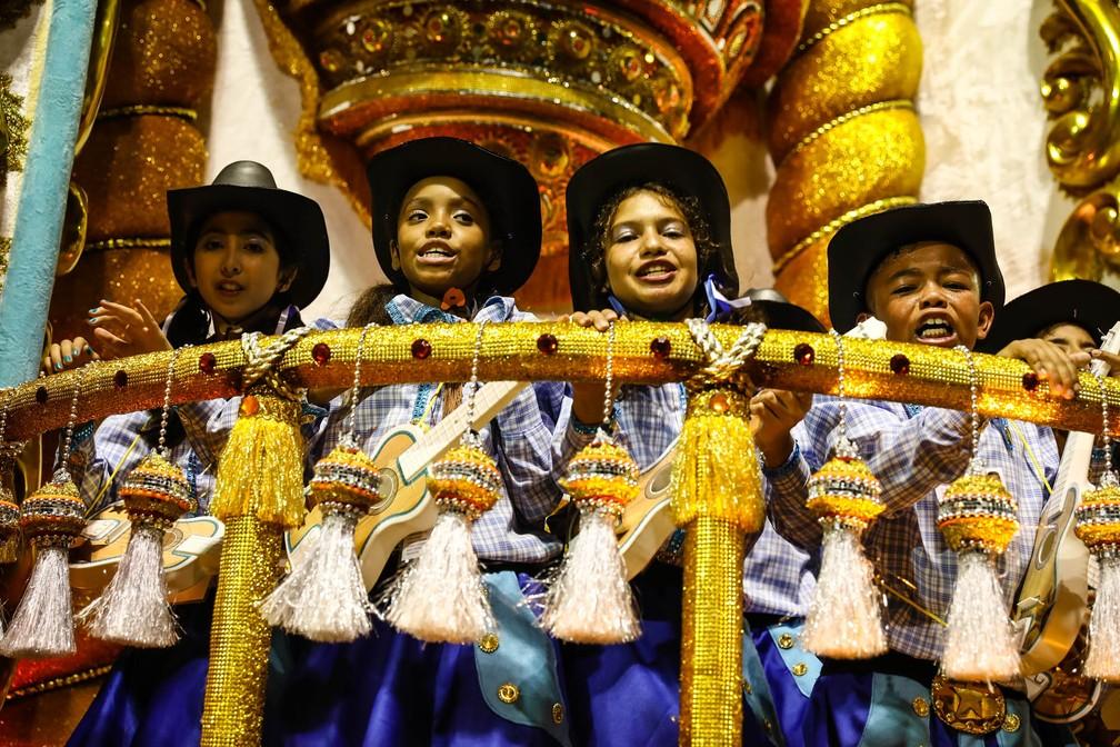 Ala das crianças no desfile da Dragões da Real (Foto: Fábio Tito/G1)