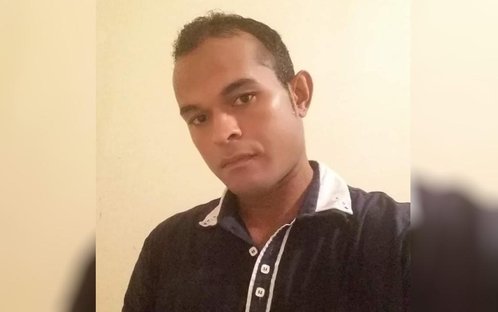 Leandro Pereira da Silva, de 36 anos, foi morto a pedradas — Foto: Reprodução/Facebook