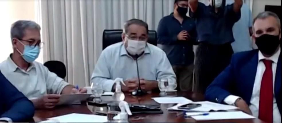 Álvaro Dias (PSDB), prefeito de Natal, na audiência de conciliação — Foto: Reprodução