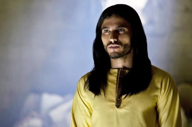 Mehdi Dehbi em 'Messiah' (Foto: Netflix)